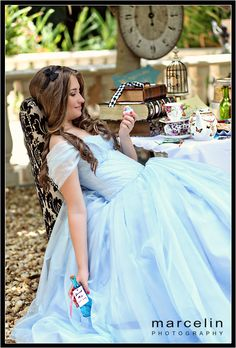 Super Ideas Photography Poses For Teens Sweet 16 Quince Ideas Alice In Wonderland Wedding Dress, Alice In Wonderland Tea Party, Alice In Wonderland Photography, Sweet 16 Dresses, 15 Dresses, Blue Dresses, Mardi Gras, Sweet 16 Photos, Quince Dresses
