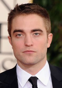 Robert Pattinson Life: The 70th Annual Golden Globes Awards