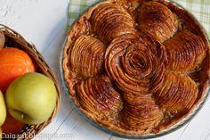 Simple tarta de manzana, con los mínimos ingredientes un poco mas arregladita y que causa sensación cuando la presentas