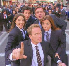 All Movies, Series Movies, Movies And Tv Shows, Movie Tv, Tv Series, Cute Friend Pictures, Meme Pictures, How I Met Your Mother, Robin Scherbatsky