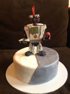 lego mindstorms EV3 cake by Lavenson Cakes