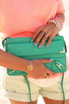 Fancy - Metal Corner Clutch by Rebecca Minkoff Fashion Mode, Look Fashion, Fashion Ideas, Spring Fashion, Coral Fashion, Green Clutches, Viva Luxury, Looks Chic, Swagg