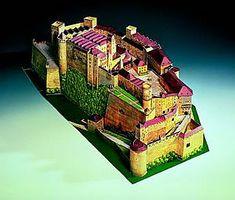 Maquetas de castillos para montar con recortables Castillo Bodiam, Cube, Medieval, Neuschwanstein Castle, Houses, Castles, Kids, Mid Century, Middle Ages