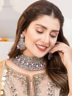 Baby Girl Frocks, Frocks For Girls, Hira Mani, Beautiful Women Videos, Beautiful Pakistani Dresses, Ayeza Khan, Soft Makeup, Pakistani Actress, Christian Grey