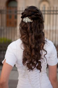 hair and makeup by Signature Brides, curls