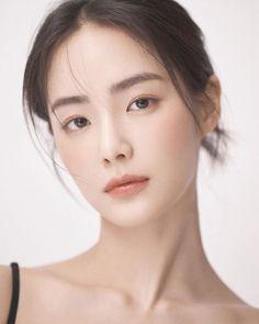 Korean Makeup Look, Asian Makeup, Korean Beauty, Asian Beauty, Beauty Makeup, Hair Makeup, Hair Beauty, Girl Face, Woman Face