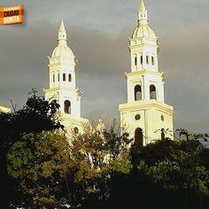 Hermosa la iglesia San Laureano en el centro de nuestra Bucaramanga. Gracias Andres Rodriguez (facebook.com/profile.php?id=100002338786555) por la foto #bucaramangabonita