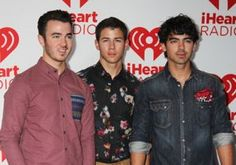 jonas brothers, jonas brothers live chat, watch jonas brothers live chat, jonas brothers september 28 live chat, jonas brothers 2012, jonas brothers live chat vyrt, where to watch jonas brothers live chat