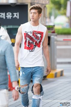 bm in rumor Kard Bm, Kim Woo Jin, Dsp Media, Hot Asian Men, Senior Pictures Boys, Kpop Boy, Pop Group, Boy Bands, Beautiful People