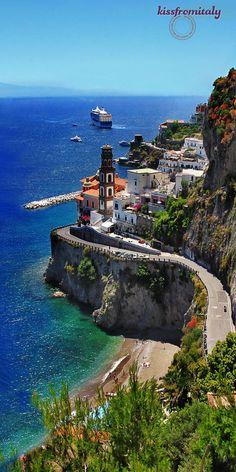 Amalfi Coast Scenic Road, Italy   PicadoTur - Consultoria em Viagens   Agencia de viagem   picadotur@gmail.com   (13) 98153-4577   Temos whatsapp, facebook, skype, twiter.. e mais! Siga nos 