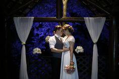 Venha se emocionar com essa história de amor vivida pelo casal Verônica ♥ Fellipe em um lindo cenário na cidade de Vinhedo. Impossível não suspirar!