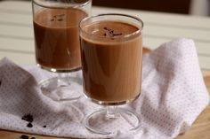Čokoládové smoothie - My site Panna Cotta, Smoothies, Pudding, Ethnic Recipes, Food, Fresh, Fitness, Chocolate Milkshake, Diet