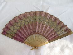 Victorian Horn Pink Sequin fan