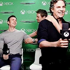 the avengers cast members crashing interviews at sdcc 2014