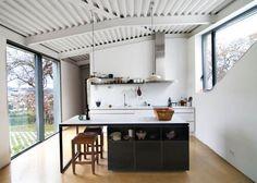 Décor do dia: jogos duplos Cozinha minimalista em lar espanhol