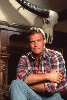 cartoons tv shows Lee Majors, The Fall Guy. Larry Wilcox, Hollywood Cinema, Classic Hollywood, Fall Guy Truck, The Fall Guy, 80 Tv Shows, Lee Majors, Men Tv, Bionic Woman