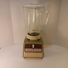 Vintage 1970s Osterizer 780W Blender, Model 541 in Avocado and Cream - Very Clean - Works Great - Vintage Barware