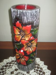 velas♥ #Decoradas Clay Art Projects, Clay Crafts, Diy And Crafts, Cement Flower Pots, Flower Vases, Cute Candles, Pillar Candles, Candle Craft, Handmade Candles