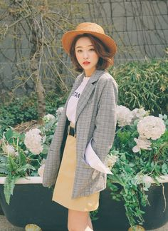 Korean Fashion – How to Dress up Korean Style – Designer Fashion Tips Korean Girl Fashion, Korean Fashion Trends, Korean Street Fashion, Ulzzang Fashion, Korea Fashion, Kpop Fashion, Japanese Fashion, Asian Fashion, Daily Fashion