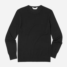 """A wardrobe essential for good reason  Model is 6'0"""" and wearing a medium Features a crew neck, coverlock details at the seams, and a 14-gauge jersey stitch Question? Email fit@everlane.com"""