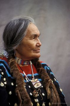Visit a Native American reservation. Native American woman Cecilia Bearchum, a tribal elder of the Umatilla Indian Reservation in northeastern Oregon Native American Beauty, Native American History, American Indians, American Symbols, Native Indian, Nativity, Beautiful People, Photos, Pictures