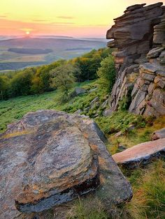 Stanage Edge, Peak District National Park, England… - Always Wanderlust Landscape Photography, Nature Photography, British Countryside, Derbyshire, Belleza Natural, Beautiful Landscapes, Wonders Of The World, Beautiful Places, Morocco