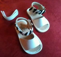 .99 Toddler Baby Girl Sz 5 Squeaker Sandals White w/additonal straps included NEW