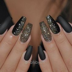Matte black & glitter by @NailsByEffi✨