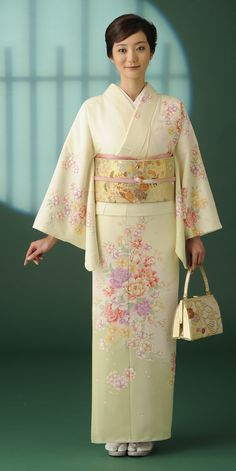 Pretty Floral Houmongi with Peonies Japanese Geisha, Japanese Beauty, Japanese Kimono, Japanese Girl, Japanese Outfits, Japanese Fashion, Japanese Clothing, Kimono Fabric, Kimono Dress
