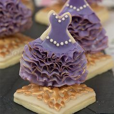 learn the how to ruffle fondant/gumpaste & royal icing ombre dress tutorial