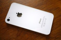 Hands down the best looking iPhone of all time: The white iPhone 4 😍 White Iphone, Iphone 4s, Apple Iphone, Macbook Pro 13, Apple Tv, All About Time, How To Look Better, Good Things, Corner