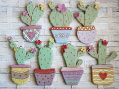 cretaluna: Mini piantine grasse – Hobbies paining body for kids and adult Diy Arts And Crafts, Clay Crafts, Crafts For Kids, Clay Magnets, Slab Ceramics, Kids Clay, Pottery Videos, Clay Ornaments, Pottery Sculpture