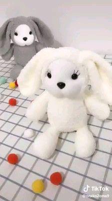 Coelhinho de toalha passo a passo towel bunny step by step learn how to do Towel bunny step by step towel bunny step by step learn how to do Diy Crafts For Home Decor, Diy Crafts Hacks, Diy Crafts For Gifts, Diy Arts And Crafts, Creative Crafts, Wall Decor Crafts, Handmade Crafts, Diy Sock Toys, Diy Para A Casa