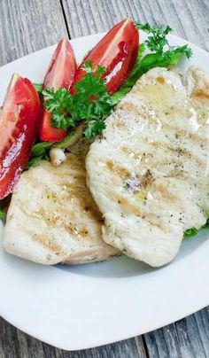 What foods help you beat the bloat? Yummy lean proteins like white chicken and tuna.