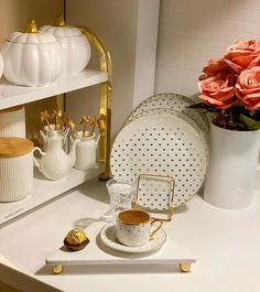 Red Kitchen Decor, Glass Tea Cups, Coffee Time, Utensils, Future House, Cooker, Girly, Furniture, Photos