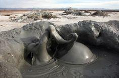 volcanes de barro curiosos