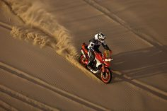 Tearing the Dunes up