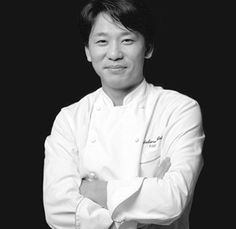 Chef Sadaharu Aoki - love his pastries ♡ Best Chef, Pastry Chef, Chef Jackets, Cooking Recipes, Chefs, Paris, Inspiring People, Bakeries, Writers