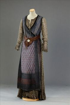 Costumes: Medieval – World Without End Viking Garb, Viking Dress, Medieval Costume, Medieval Dress, Viking Costume, Medieval Fashion, Medieval Clothing, Historical Costume, Historical Clothing