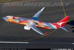 qantas 737-838 with a great paint