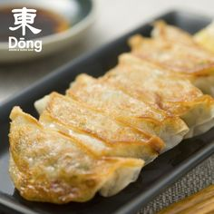 Learn how to turn any ingredient into a delicious meal with Cooking Classes from RedBalloon. Find Cooking Classes Near Me and elevate your culinary skills to Japanese Dumplings, Sushi, Experience Gifts, Cooking Classes, Wok, French Toast, Yummy Food, Meals, Breakfast