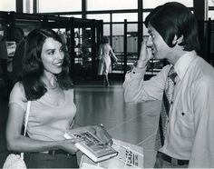 1970's meetcute at O'Hare.