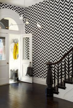 We love the chevron wallpaper in this foyer! Designed by: Martyn Lawrence Bullard Design Wallpaper Chevron, B&w Wallpaper, Chevron Walls, Hallway Wallpaper, Black Chevron, Accent Wallpaper, Artistic Wallpaper, Interior Wallpaper, Decorating Bedrooms