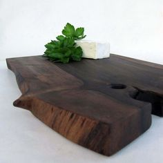 Serving tray/ Cutting board from walnut tree branch  by lacunawork : very nicely done
