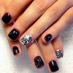 Black and white rose nailart #nailart #nails #black #white #rose
