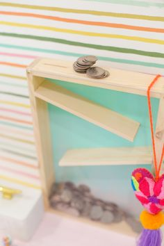 How to Make a Rolling Coin Bank. Ditch the piggy bank and make a bank that lets you see your coins accumulate! Winter Crafts For Kids, Diy For Kids, Gifts For Kids, Crafts To Sell, Diy And Crafts, Kids Crafts, Large Piggy Bank, Kids Wood, Craft Videos