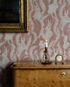 Hares in hiding tapet från Långelid / von Brömssen® - Fraktfritt online Witch House, Red Cottage, Wallpaper Companies, Inspiration, Wallpaper, Vintage Interiors, Wall Coverings, Pink Interior, Cozy Cottage