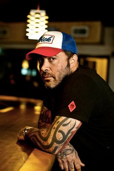 Aaron Lewis- Saw him in concert.  Amazing!!  Highly recommend it.