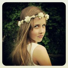 Elise flower crown now listed on www.bloomingloopy.com