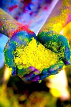 Happy holi wishesh 2020 holi greetings, holi quotes holi images for whatsapp. Festival of colors wish & holi messages . Make a splash this Holi . Holi Festival Of Colours, Holi Colors, India Colors, Festivals Of India, Indian Festivals, Color Splash, Happy Holi Wishes, Happy Holi Images, Holi Photo
